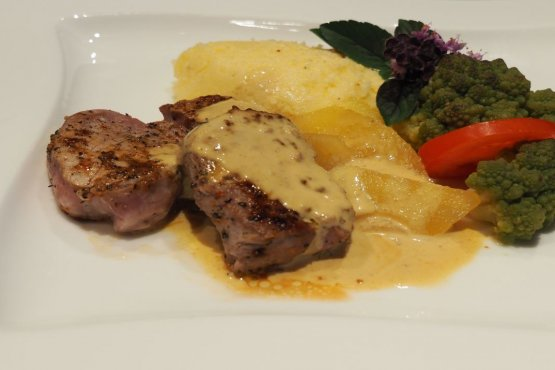 Fillet of mountain pork with mustard sauce