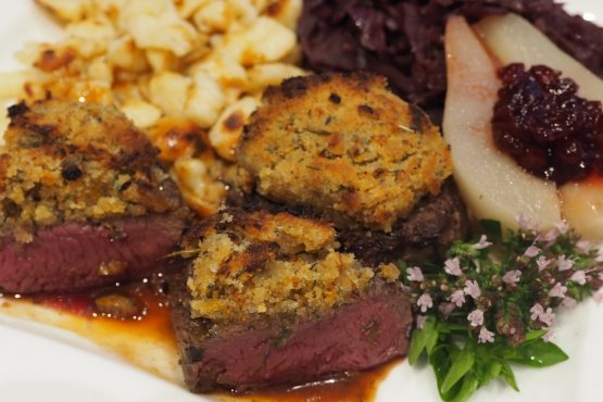 Venison medaillons crusted in thyme